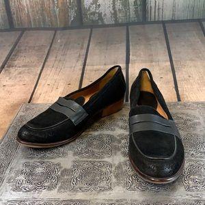 Latigo Black Suede Heeled Penny Loafers Size 8